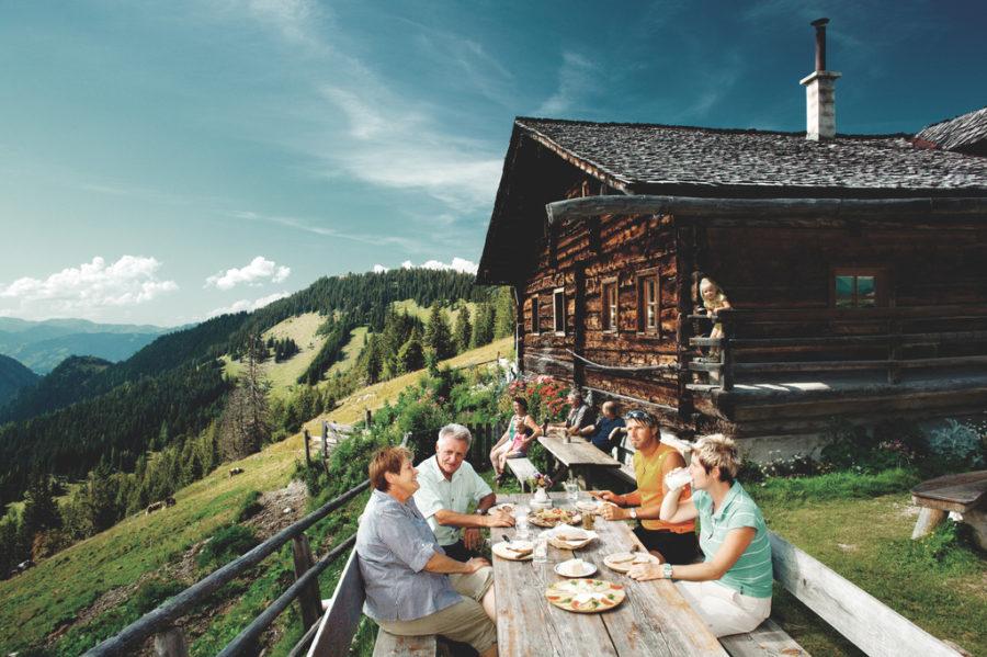 Gruppenfreundliche Hütte in den Alpen