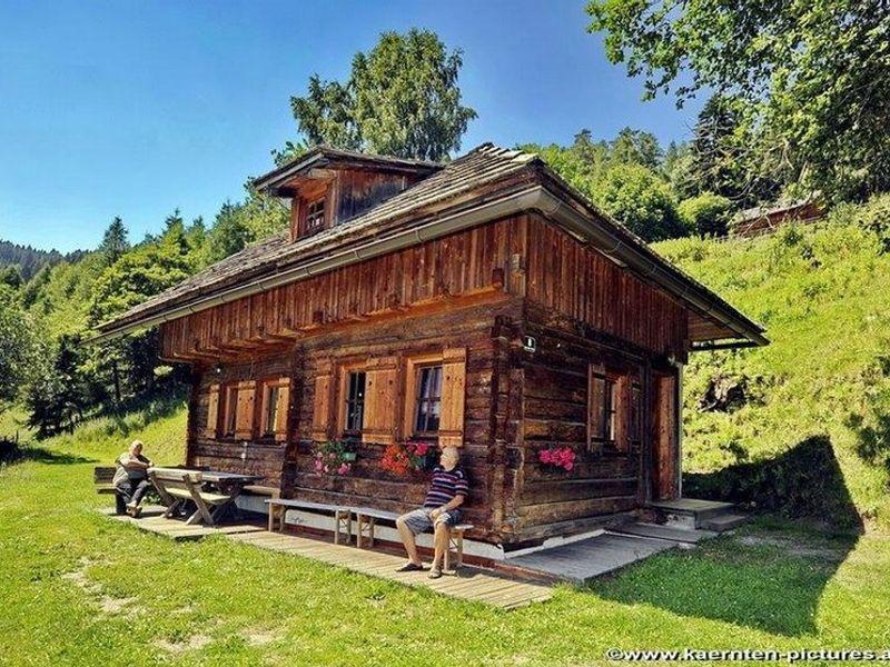 BAD-KTN St. Urban Hütte